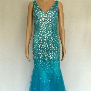 Dresses & Skirts - 🆕Sky Blue Gown w/ Jewel Embellishments
